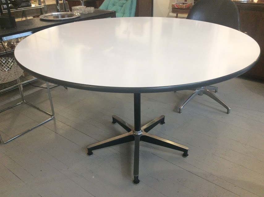 Eames Round Table With Laminate Top Vinyl Edge Modernvibe